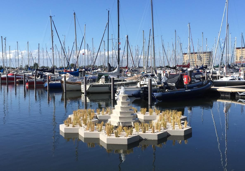 Oxatur eiland in Weerwater verplaatst